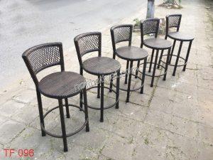 Bàn ghế bar giả mây, điểm nhấn cho thiết kế Bar – café