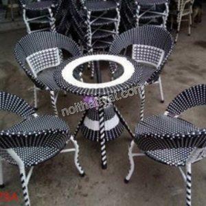 Những chất liệu bàn ghế sân vườn đang làm mưa làm gió trên thị trường hiện nay