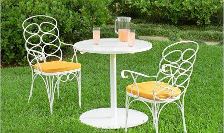 Mách bạn cách bố trí bàn ghế sân vườn đẹp mắt